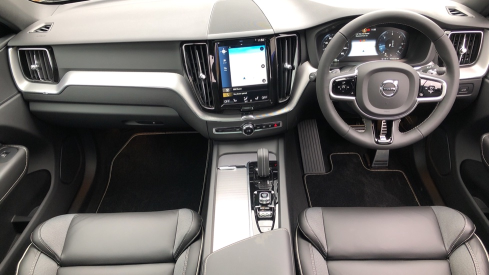 Volvo XC60 B4D AWD Mild Hybrid R Design Auto, Winter & Conven Pks, PanoRoof, Heated F+R Seats & Rear Cam image 14