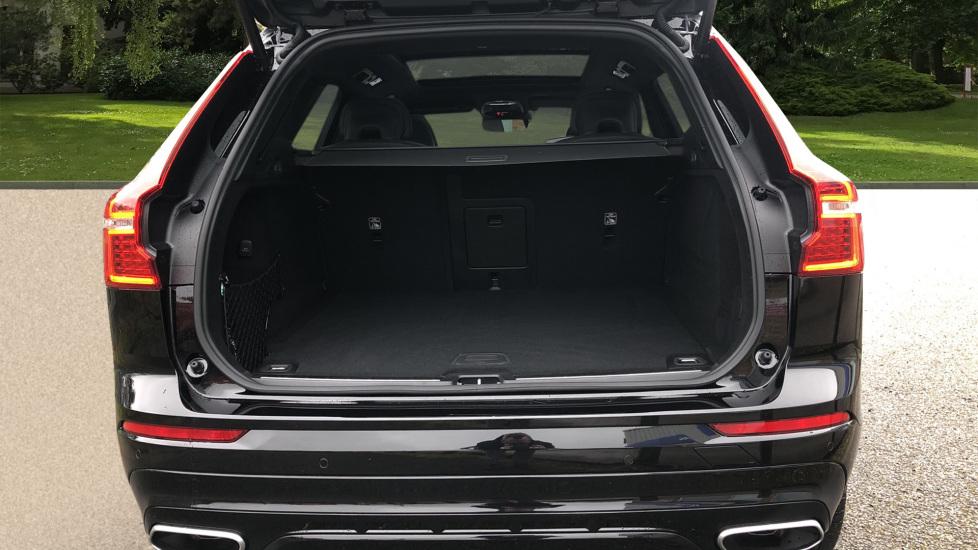 Volvo XC60 B4D AWD Mild Hybrid R Design Auto, Winter & Conven Pks, PanoRoof, Heated F+R Seats & Rear Cam image 15