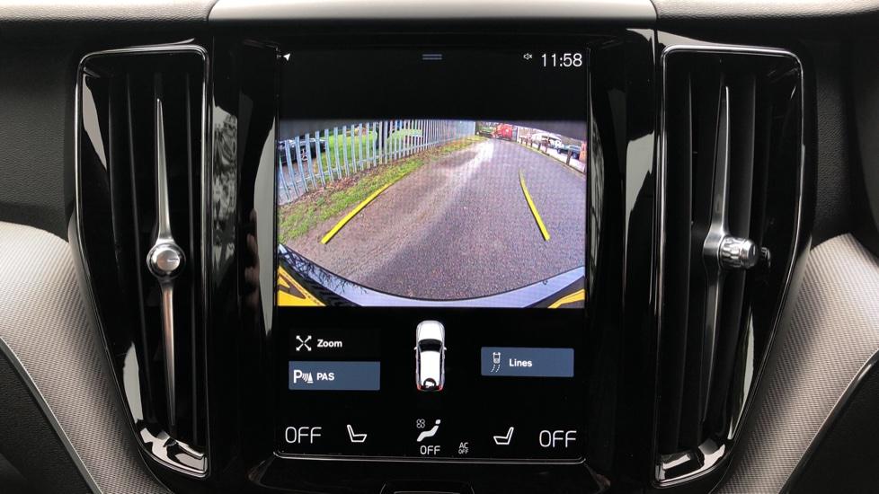 Volvo XC60 B4D AWD Mild Hybrid R Design Auto, Winter & Conven Pks, PanoRoof, Heated F+R Seats & Rear Cam image 7