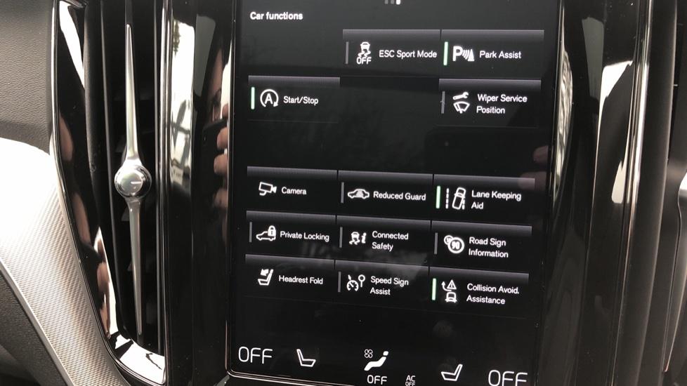 Volvo XC60 B4D AWD Mild Hybrid R Design Auto, Winter & Conven Pks, PanoRoof, Heated F+R Seats & Rear Cam image 27
