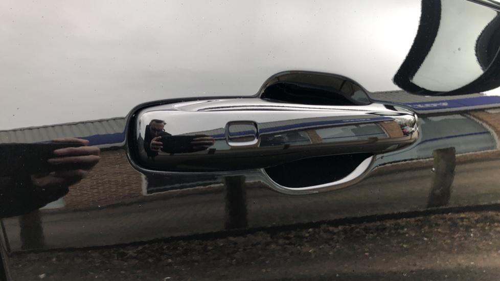Volvo XC60 B4D AWD Mild Hybrid R Design Auto, Winter & Conven Pks, PanoRoof, Heated F+R Seats & Rear Cam image 9