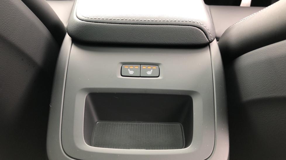 Volvo XC60 B4D AWD Mild Hybrid R Design Auto, Winter & Conven Pks, PanoRoof, Heated F+R Seats & Rear Cam image 16