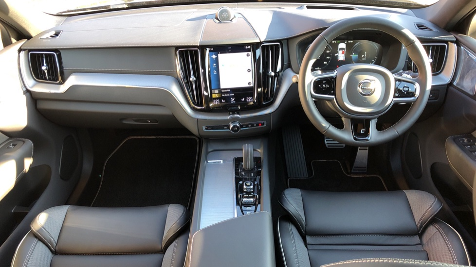Volvo XC60 T8 Recharge PHEV Polestar AWD Auto with Lounge, Tech, Versatility, Climate & Driver Assist Packs image 13