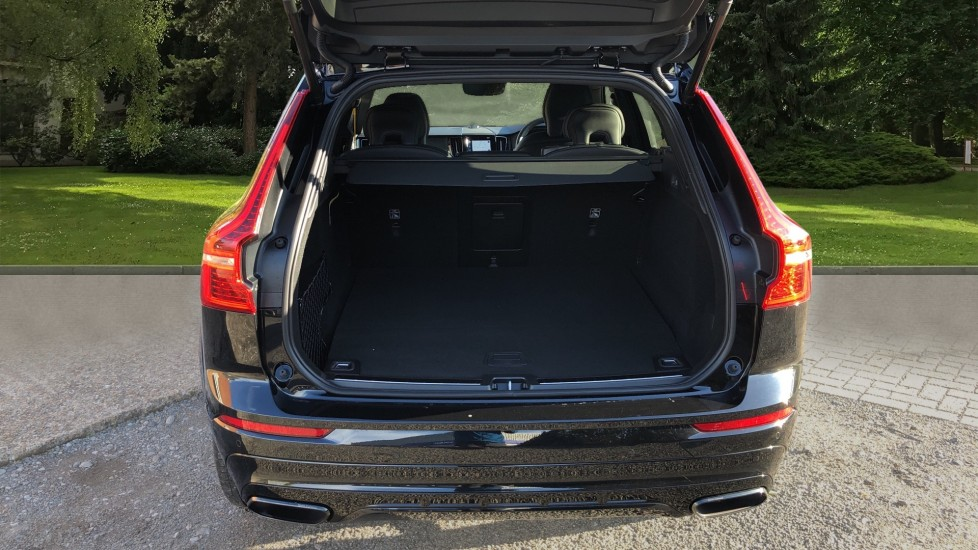 Volvo XC60 T8 Recharge PHEV Polestar AWD Auto with Lounge, Tech, Versatility, Climate & Driver Assist Packs image 35