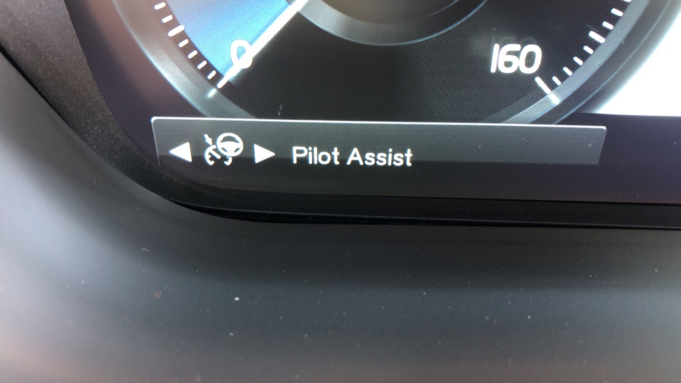 Volvo XC60 T8 Recharge PHEV Polestar AWD Auto with Lounge, Tech, Versatility, Climate & Driver Assist Packs image 17