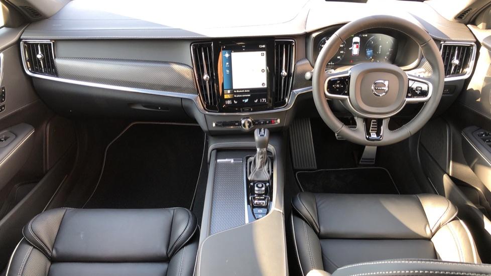Volvo V90 D4 R Design Plus Auto, Nav, Winter Pack, Head Up Display, 360 Camera, BLIS, 20 Inch Alloys image 10