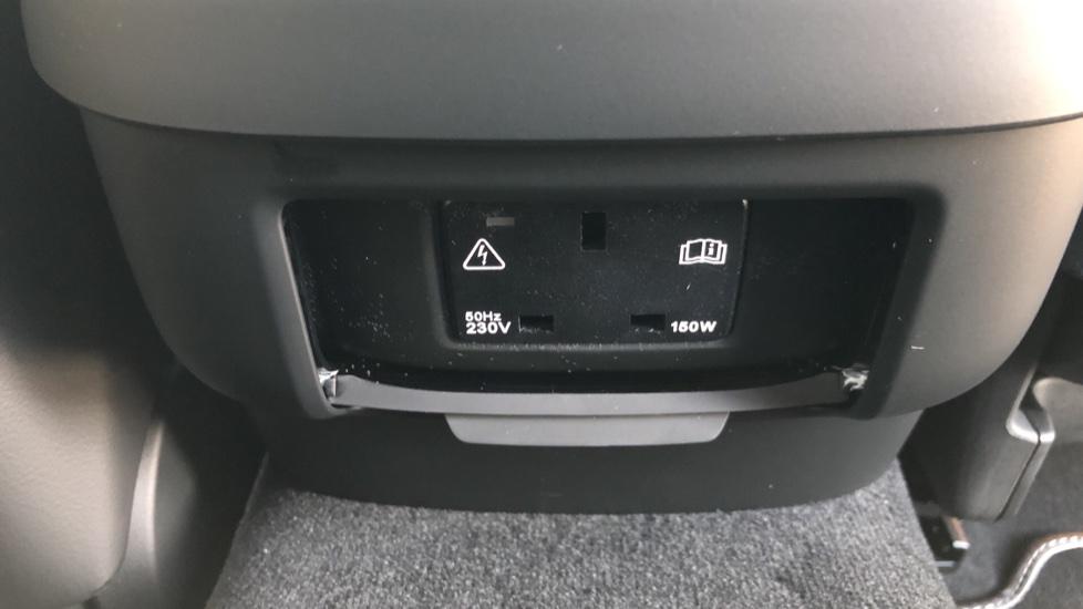 Volvo V90 D4 R Design Plus Auto, Nav, Winter Pack, Head Up Display, 360 Camera, BLIS, 20 Inch Alloys image 25