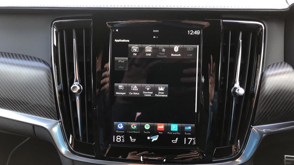 Volvo V90 D4 R Design Plus Auto, Nav, Winter Pack, Head Up Display, 360 Camera, BLIS, 20 Inch Alloys image 26