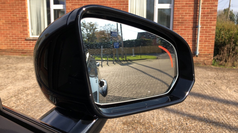 Volvo V90 D4 R Design Plus Auto, Nav, Winter Pack, Head Up Display, 360 Camera, BLIS, 20 Inch Alloys image 7