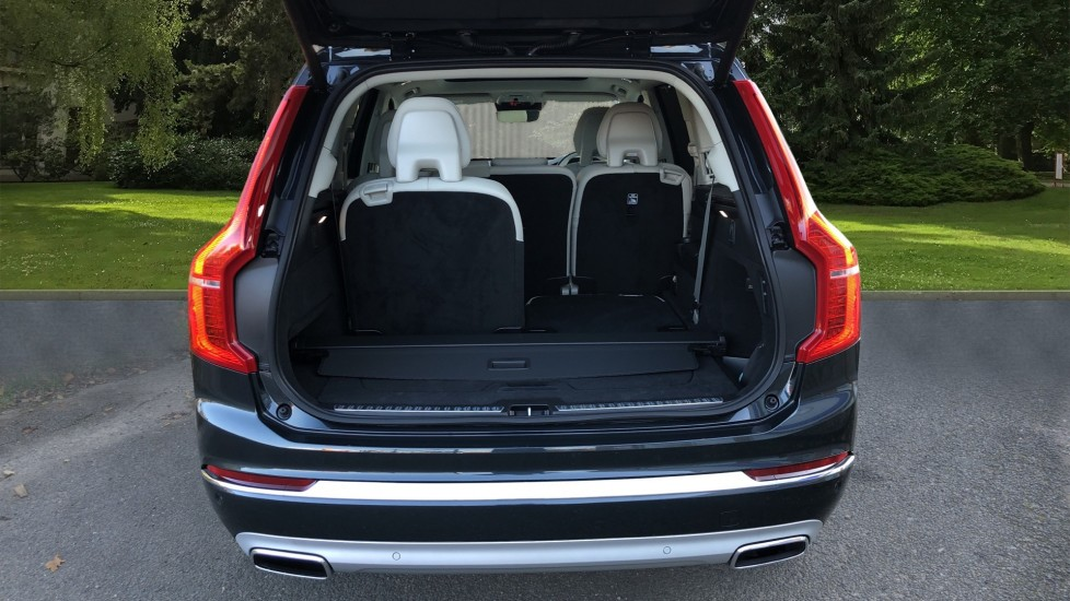 Volvo XC90 T8 Recharge PHEV Inscription Pro AWD Auto, Nav, Sunroof, Lounge, Tech, Climate & Driver Assist image 42