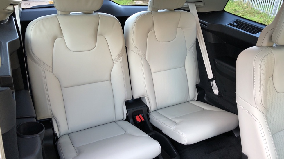 Volvo XC90 T8 Recharge PHEV Inscription Pro AWD Auto, Nav, Sunroof, Lounge, Tech, Climate & Driver Assist image 27