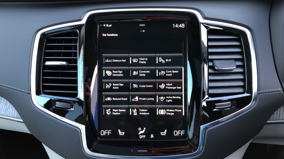 Volvo XC90 T8 Recharge PHEV Inscription Pro AWD Auto, Nav, Sunroof, Lounge, Tech, Climate & Driver Assist image 39