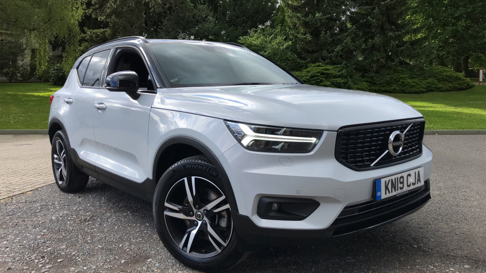 Volvo XC40 D3 R Design AWD AT, Winter & Convenience Packs, S/Phone Integration, F & R Sensors, Tempa Spare 2.0 Diesel Automatic 5 door 4x4 (2019) at Volvo Horsham thumbnail image