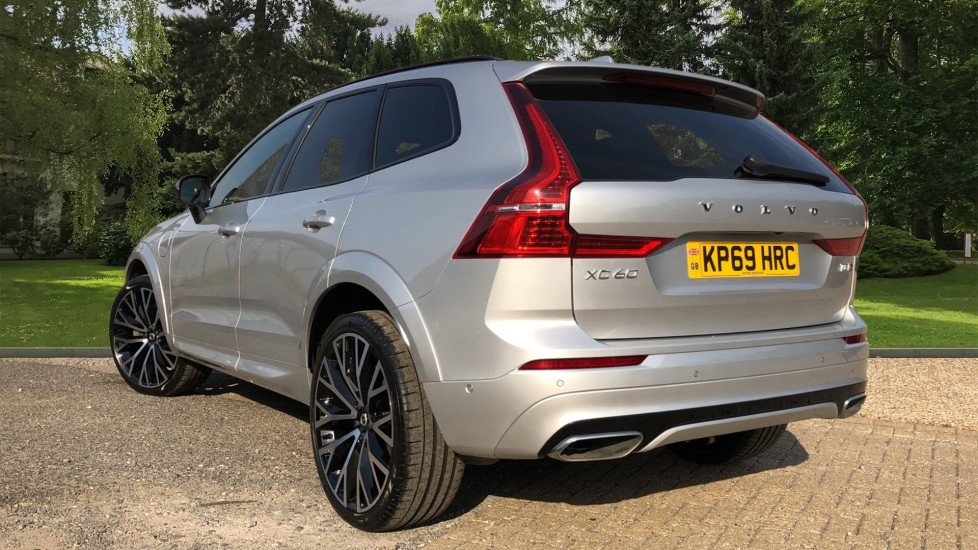 Volvo XC60 T8 Hybrid R Design Pro AWD Auto, Family, Xenium and Convenience Packs, Sunroof, 360 Camera image 4