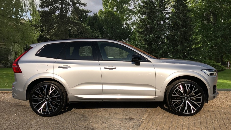 Volvo XC60 T8 Hybrid R Design Pro AWD Auto, Family, Xenium and Convenience Packs, Sunroof, 360 Camera image 2