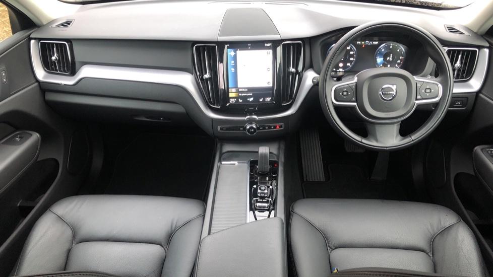 Volvo XC60 B4D Mild Hybrid Momentum Pro AWD Auto, Family & Convenience Packs, Smartphone, Heated Screen image 11