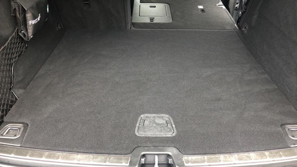 Volvo XC60 B4D Mild Hybrid Momentum Pro AWD Auto, Family & Convenience Packs, Smartphone, Heated Screen image 34