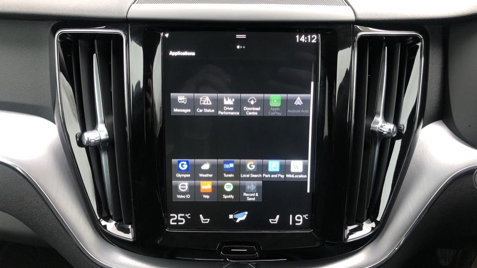 Volvo XC60 B4D Mild Hybrid Momentum Pro AWD Auto, Family & Convenience Packs, Smartphone, Heated Screen image 26