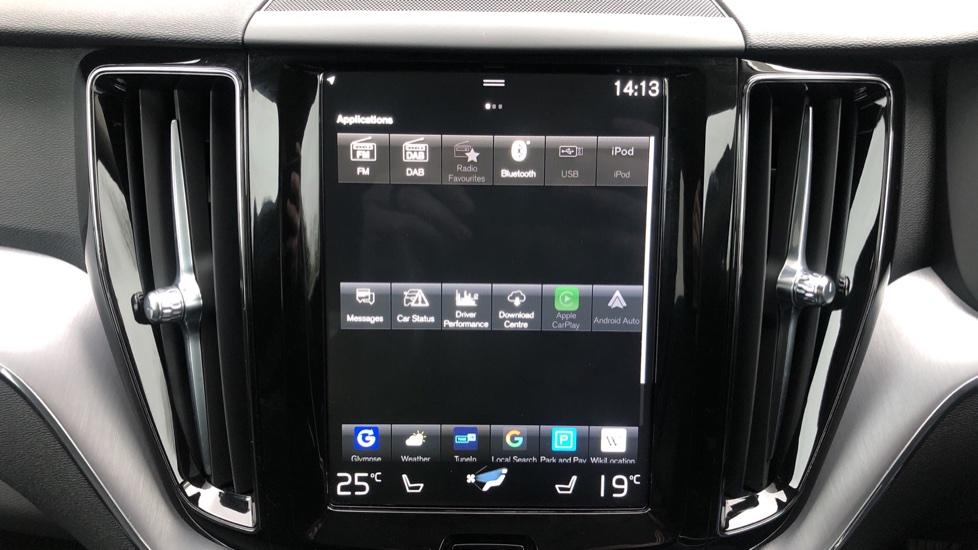 Volvo XC60 B4D Mild Hybrid Momentum Pro AWD Auto, Family & Convenience Packs, Smartphone, Heated Screen image 27