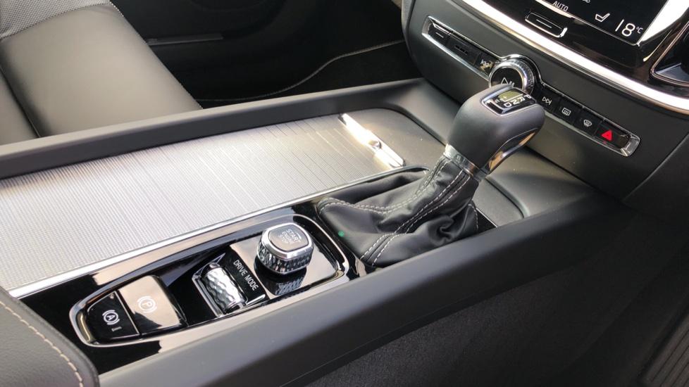 Volvo V60 T5 R Design Plus Auto, Xenium, Convenience, Winter & IntelliPro Packs, Sunroof, 360 Camera image 28
