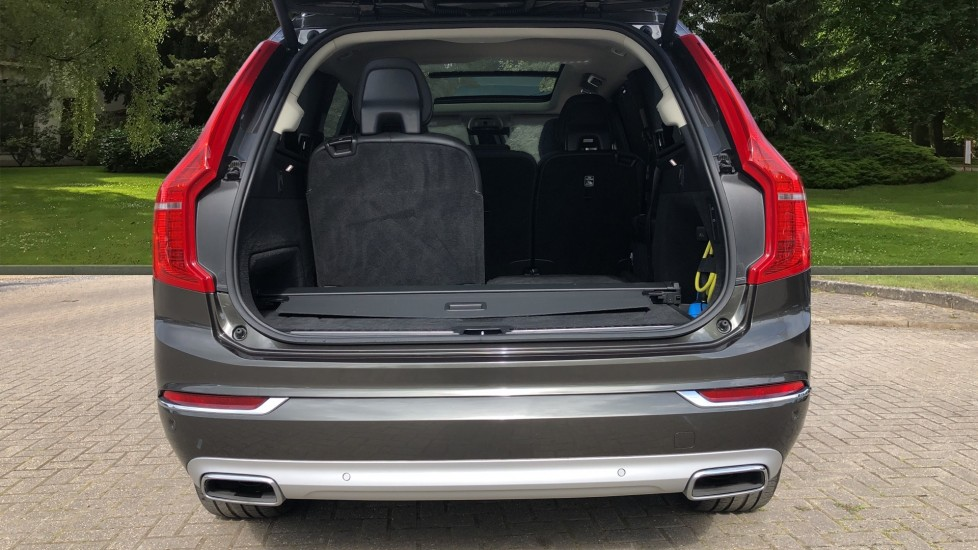Volvo XC90 T8 Plug In Hybrid Inscription Pro AWD AT, Xenium Pk, S/Phone Intg, Air Susp, BLIS, Pano Roof, Tints image 27