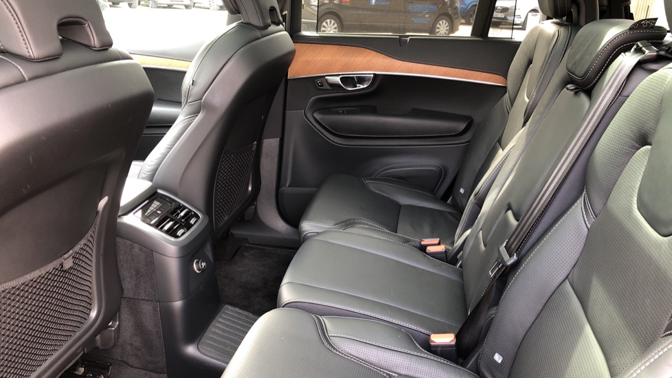 Volvo XC90 T8 Plug In Hybrid Inscription Pro AWD AT, Xenium Pk, S/Phone Intg, Air Susp, BLIS, Pano Roof, Tints image 16