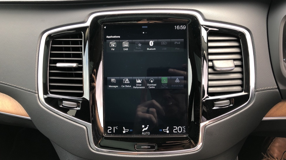 Volvo XC90 T8 Plug In Hybrid Inscription Pro AWD AT, Xenium Pk, S/Phone Intg, Air Susp, BLIS, Pano Roof, Tints image 24