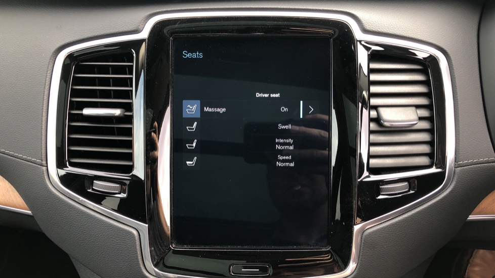 Volvo XC90 T8 Plug In Hybrid Inscription Pro AWD AT, Xenium Pk, S/Phone Intg, Air Susp, BLIS, Pano Roof, Tints image 25