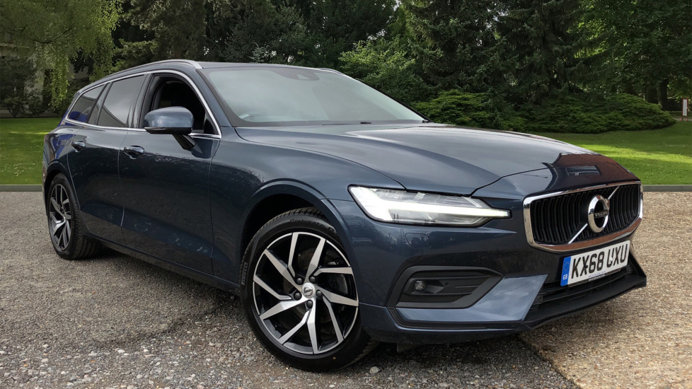 Volvo V60 D4 Momentum Pro AT, IntelliPro, Convenience Pk, Tints, Pwr Child Locks, F & R Sensors, CarPlay 2.0 Diesel Automatic 5 door Estate (2018)