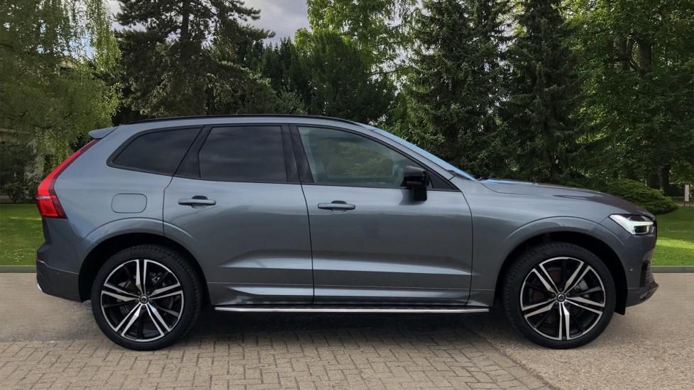 Volvo XC60 B4D Mild Hybrid R Design Pro AWD Auto, Nav, Lounge, Climate & Driver Assist Packs, Sunroof, BLIS image 2