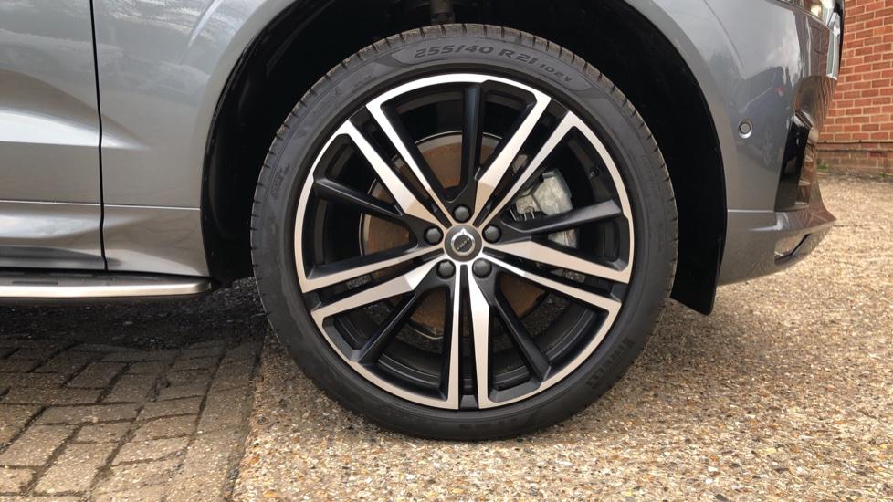 Volvo XC60 B4D Mild Hybrid R Design Pro AWD Auto, Nav, Lounge, Climate & Driver Assist Packs, Sunroof, BLIS image 33