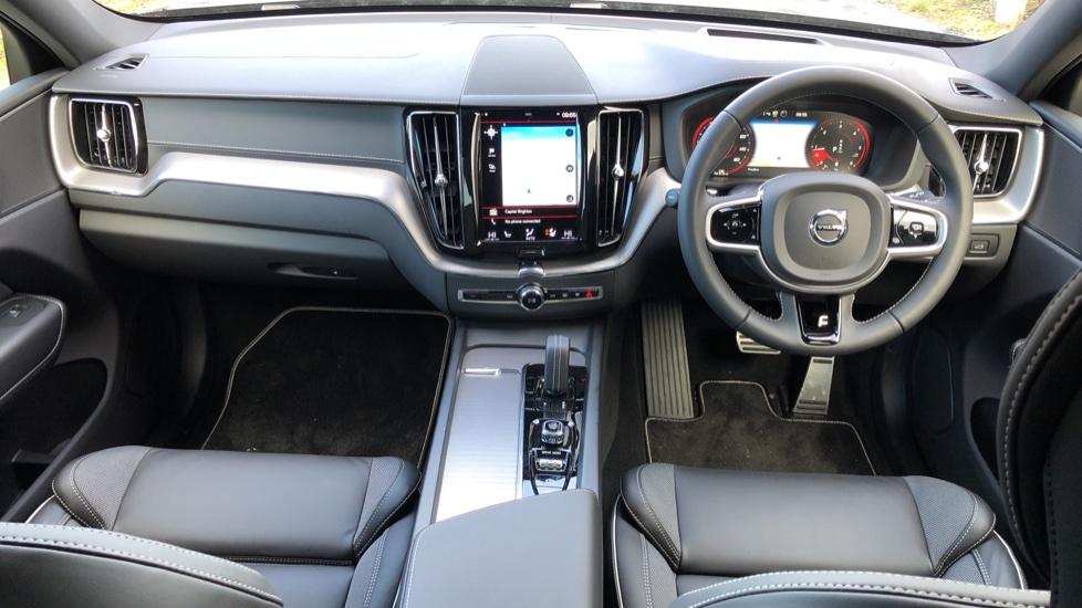 Volvo XC60 B4D Mild Hybrid R Design Pro AWD Auto, Nav, Lounge, Climate & Driver Assist Packs, Sunroof, BLIS image 12
