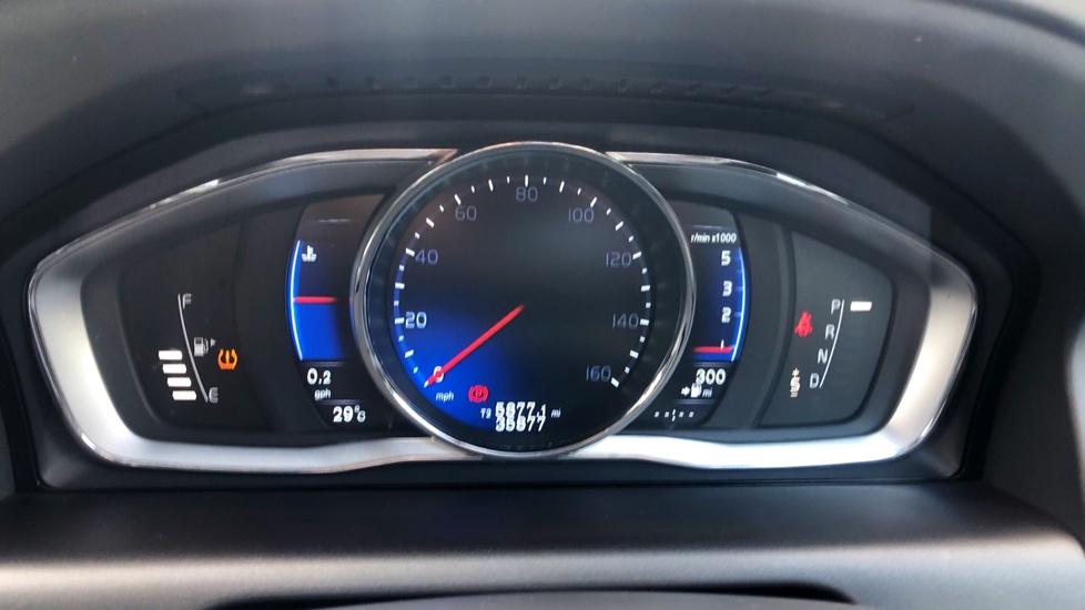 Volvo XC60 D4 R Design Lux AWD Auto, Winter Pk, DAB, Front/Rear Park Assist  image 7
