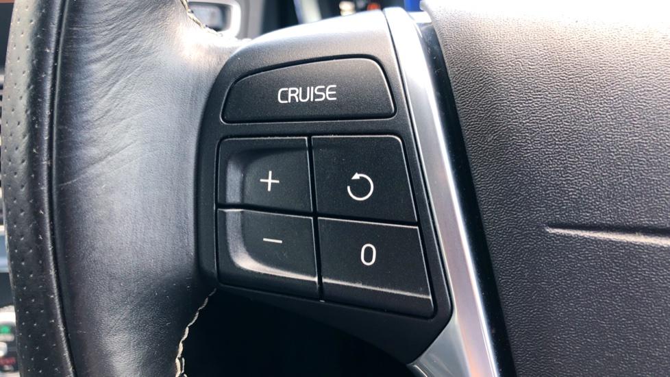 Volvo XC60 D4 R Design Lux AWD Auto, Winter Pk, DAB, Front/Rear Park Assist  image 12