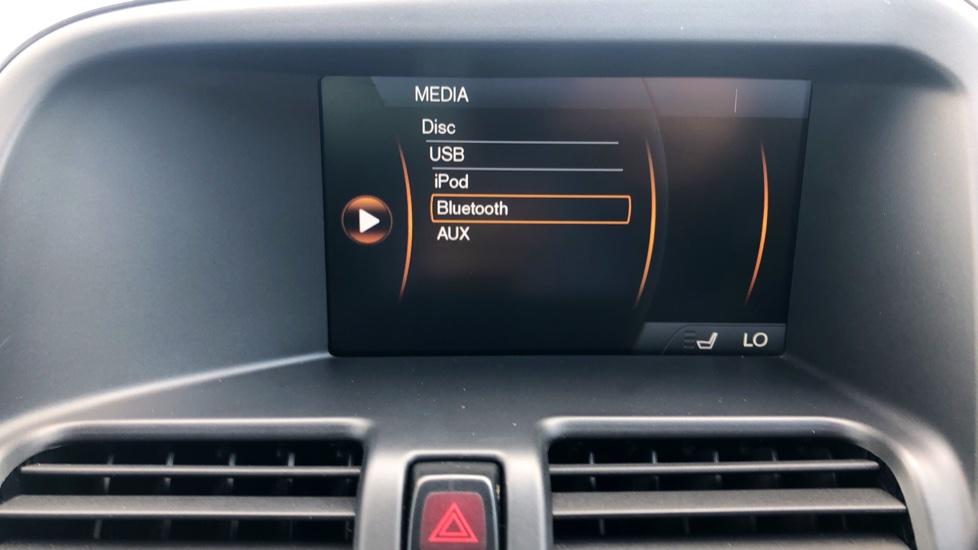 Volvo XC60 D4 R Design Lux AWD Auto, Winter Pk, DAB, Front/Rear Park Assist  image 13