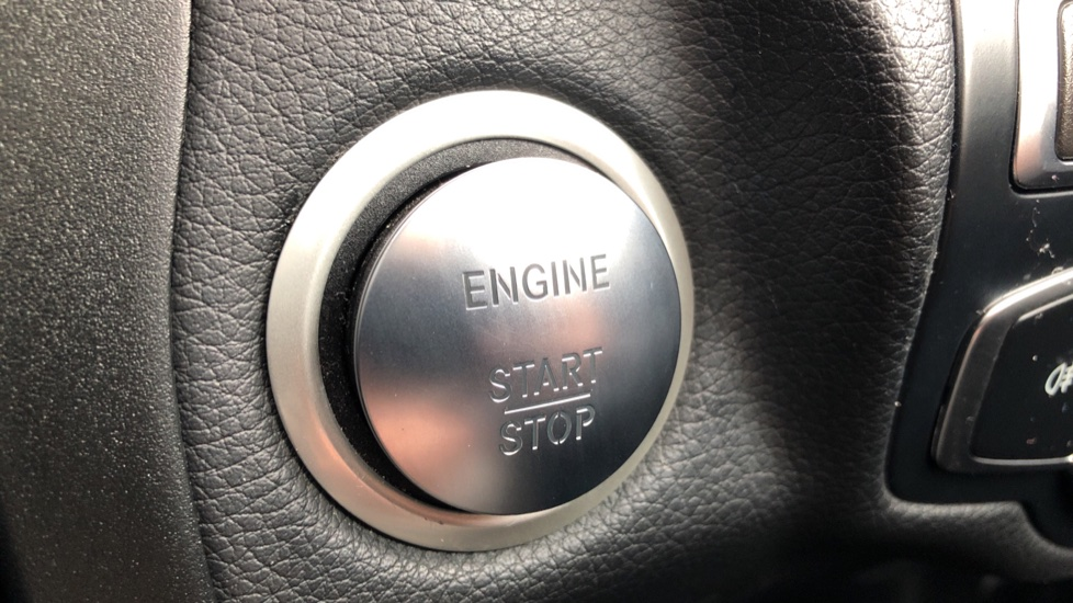 Mercedes-Benz GLC-Class GLC 220d 4Matic AMG Line Premium 9spd AT, Side Steps, Night Pk, Nav, Auto Park, F & R Sensors & Cam image 8