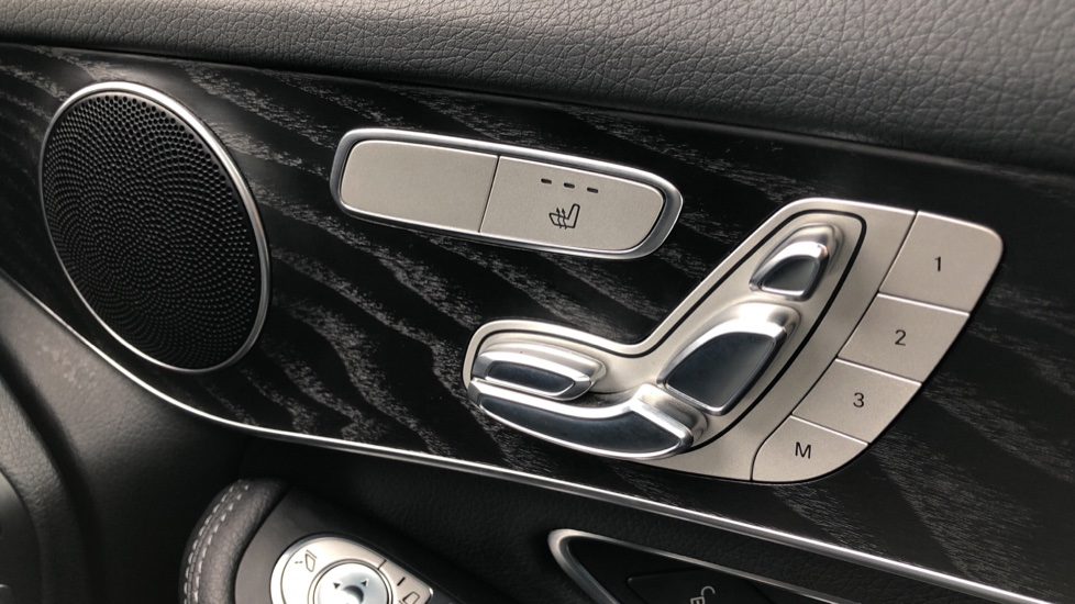Mercedes-Benz GLC-Class GLC 220d 4Matic AMG Line Premium 9spd AT, Side Steps, Night Pk, Nav, Auto Park, F & R Sensors & Cam image 28