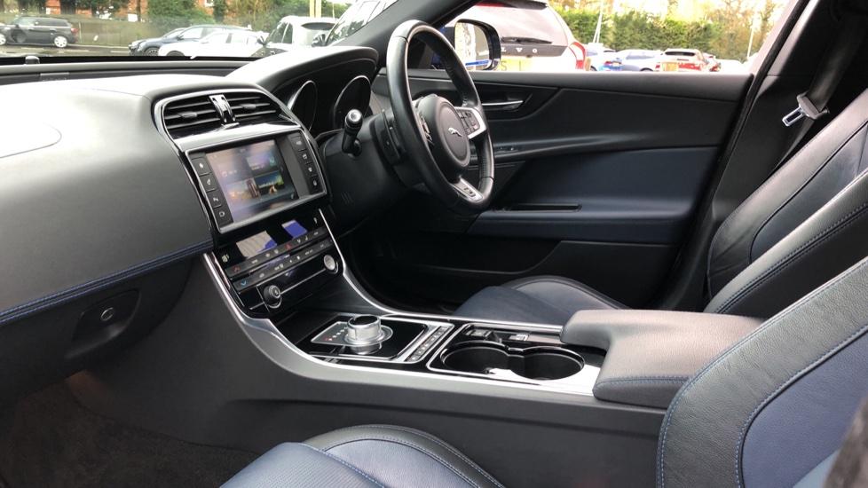 Jaguar XE 2.0d R Sport 8spd Auto, 18 Inch Alloys, Privacy Glass, Heated Screen & Steering Wheel, R.Camera image 7