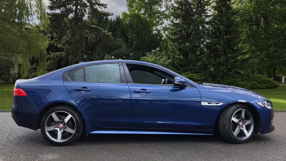 Jaguar XE 2.0d R Sport 8spd Auto, 18 Inch Alloys, Privacy Glass, Heated Screen & Steering Wheel, R.Camera image 2