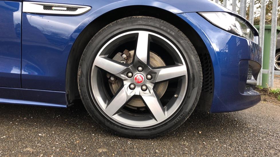 Jaguar XE 2.0d R Sport 8spd Auto, 18 Inch Alloys, Privacy Glass, Heated Screen & Steering Wheel, R.Camera image 8