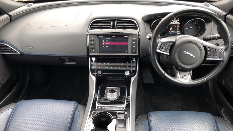 Jaguar XE 2.0d R Sport 8spd Auto, 18 Inch Alloys, Privacy Glass, Heated Screen & Steering Wheel, R.Camera image 9