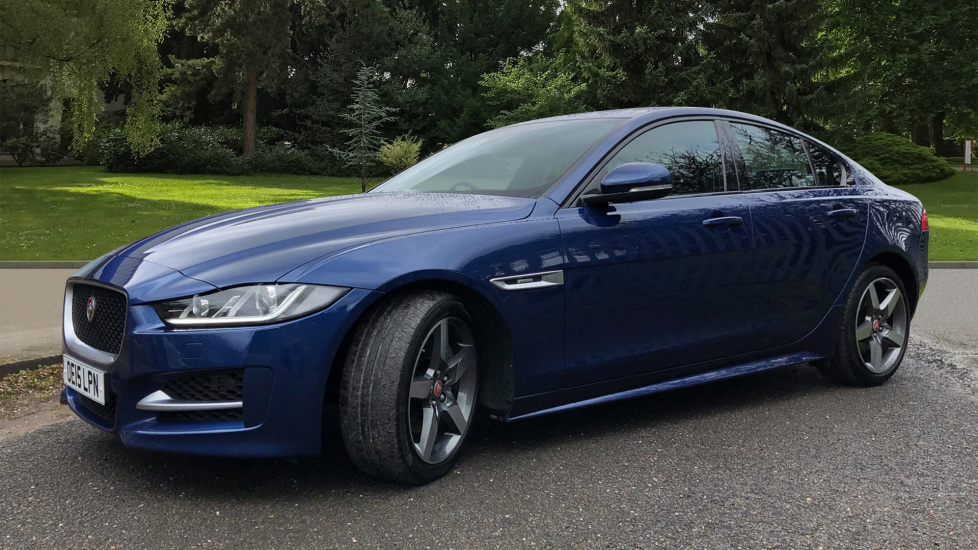 Jaguar XE 2.0d R Sport 8spd Auto, 18 Inch Alloys, Privacy Glass, Heated Screen & Steering Wheel, R.Camera image 3