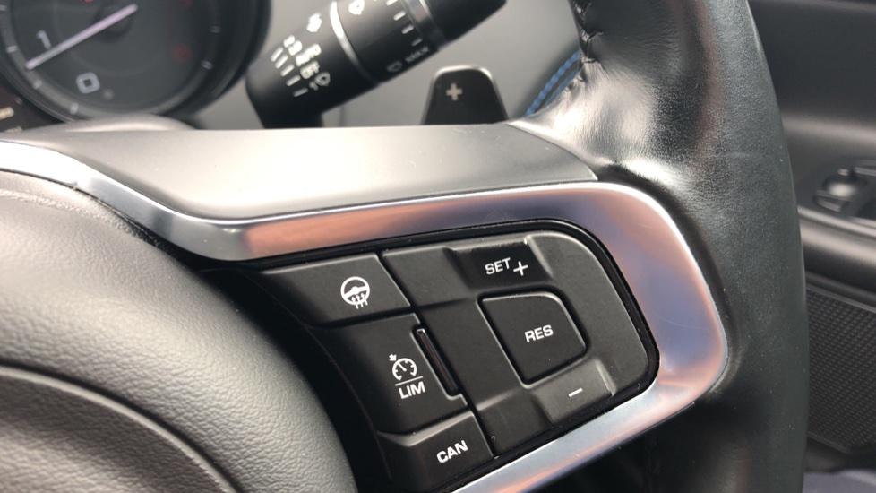 Jaguar XE 2.0d R Sport 8spd Auto, 18 Inch Alloys, Privacy Glass, Heated Screen & Steering Wheel, R.Camera image 19