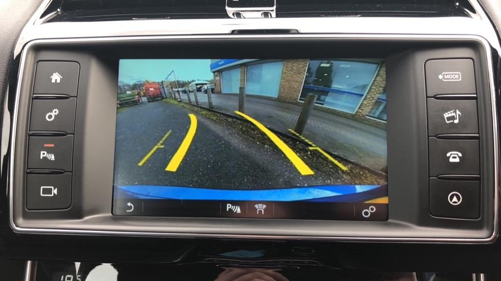 Jaguar XE 2.0d R Sport 8spd Auto, 18 Inch Alloys, Privacy Glass, Heated Screen & Steering Wheel, R.Camera image 6