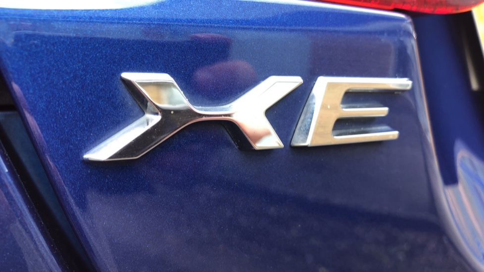 Jaguar XE 2.0d R Sport 8spd Auto, 18 Inch Alloys, Privacy Glass, Heated Screen & Steering Wheel, R.Camera image 24