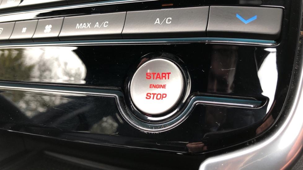 Jaguar XE 2.0d R Sport 8spd Auto, 18 Inch Alloys, Privacy Glass, Heated Screen & Steering Wheel, R.Camera image 16