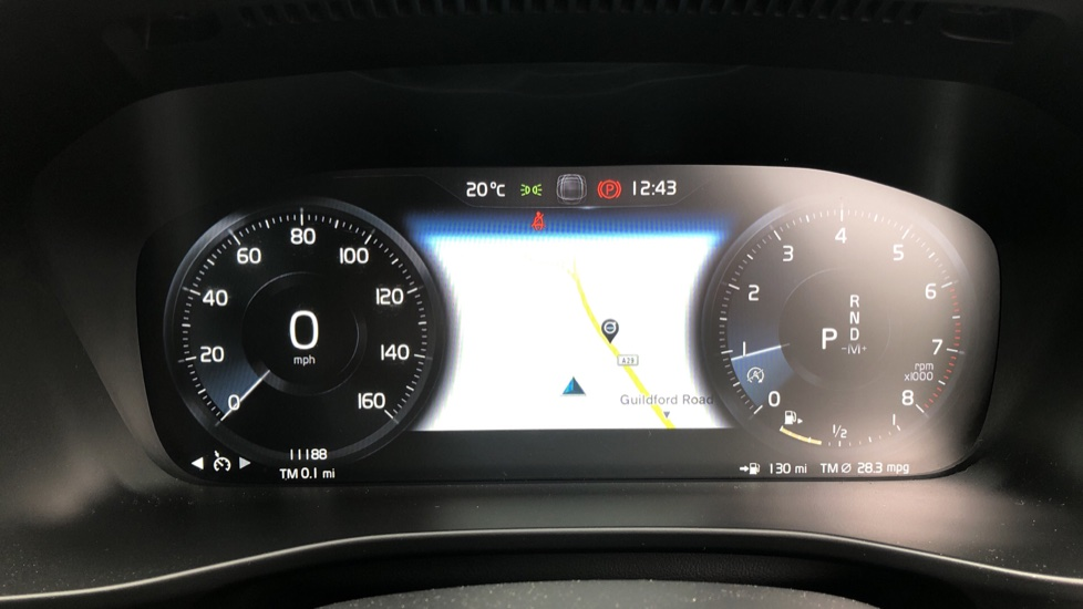 Volvo XC40 T5 R Design Pro AWD Auto, Keyless Drive, Active Bending LED Lights, Nav Pro, DAB, Styling Kit image 11