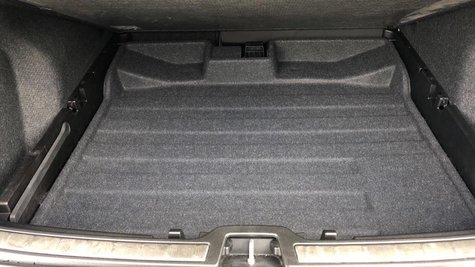 Volvo XC40 T5 R Design Pro AWD Auto, Keyless Drive, Active Bending LED Lights, Nav Pro, DAB, Styling Kit image 32