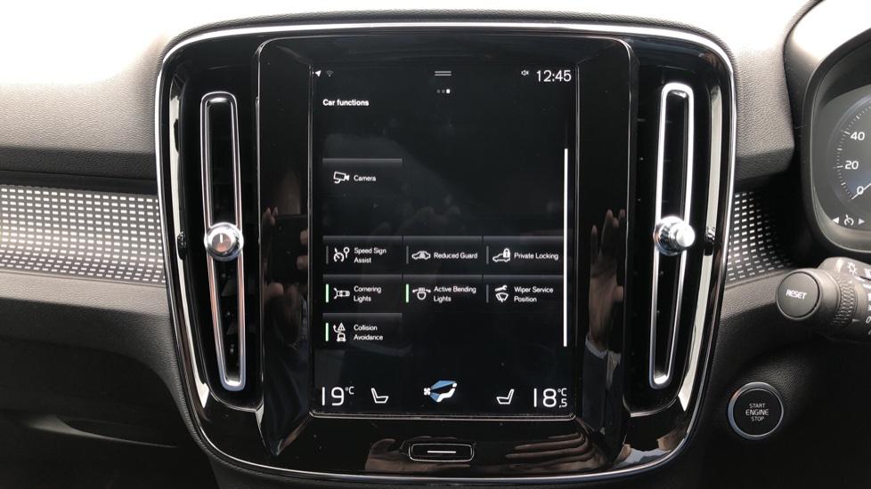 Volvo XC40 T5 R Design Pro AWD Auto, Keyless Drive, Active Bending LED Lights, Nav Pro, DAB, Styling Kit image 26