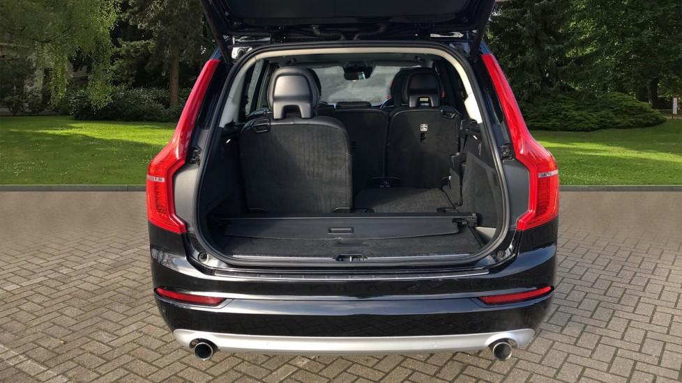 Volvo XC90 D5 Momentum AWD Auto, Xenium, Family & Winter Packs, Sunroof, 360 Camera, BLIS, Apple CarPlay image 35